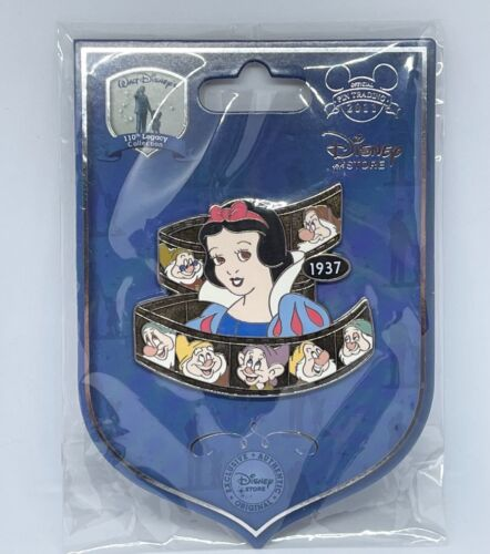Japan Disney Store Pin 89246 JDS 110th Legacy Collection Snow White LE 110