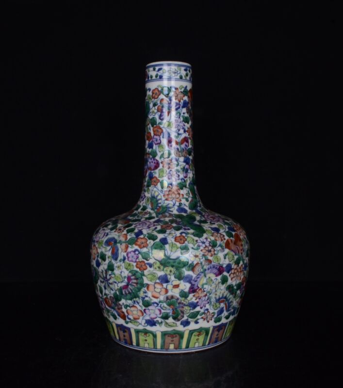 Chi naold Qing Dynasty Kangxi colourful Flowers and birds Butterfly flowerBottle