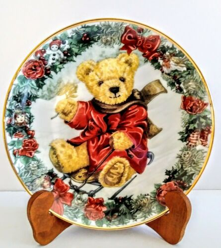 """Franklin Mint Heirloom Collection 8"""" Plate Teddy"""