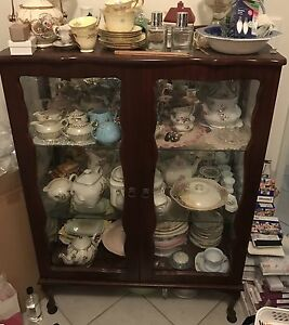 2 x Queen Anne vintage style display cabinets Landsdale Wanneroo Area Preview