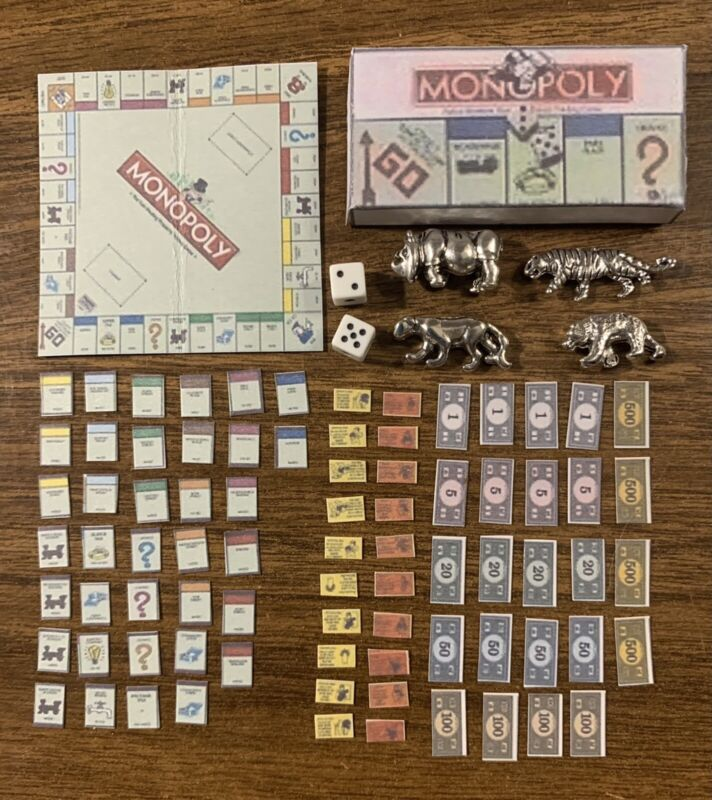 MINIATURE MONOPLY BOARD GAME W/DICE & 4 PCS TOKENS 69 PC SET PLUS BOX 1:12 SCALE