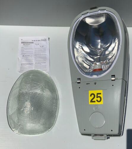 GE Lighting System M400  Powr/Door Street Light  Part No: MDRL25S0A12RMS31 - NEW