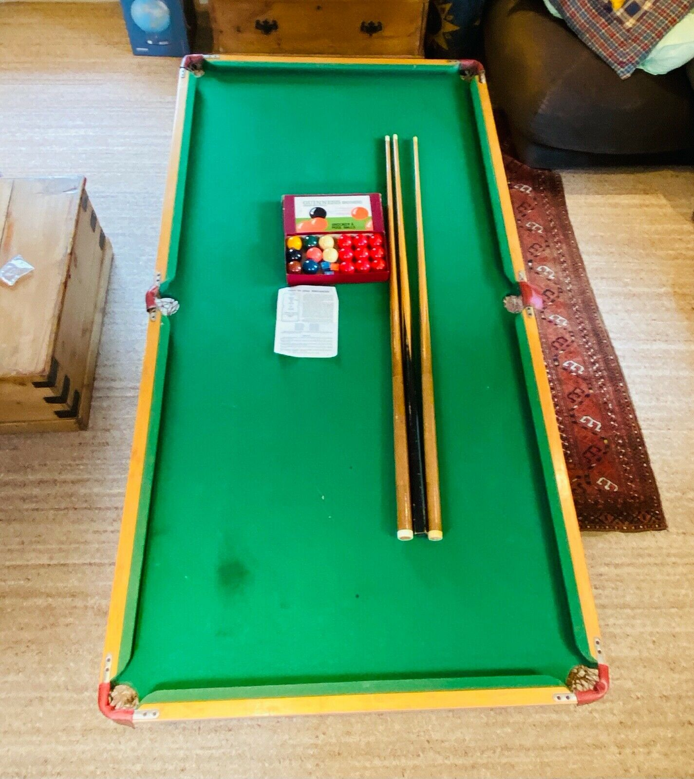 Table Top Snooker Set 1970s Includes Balls, Cues and Scoreboard