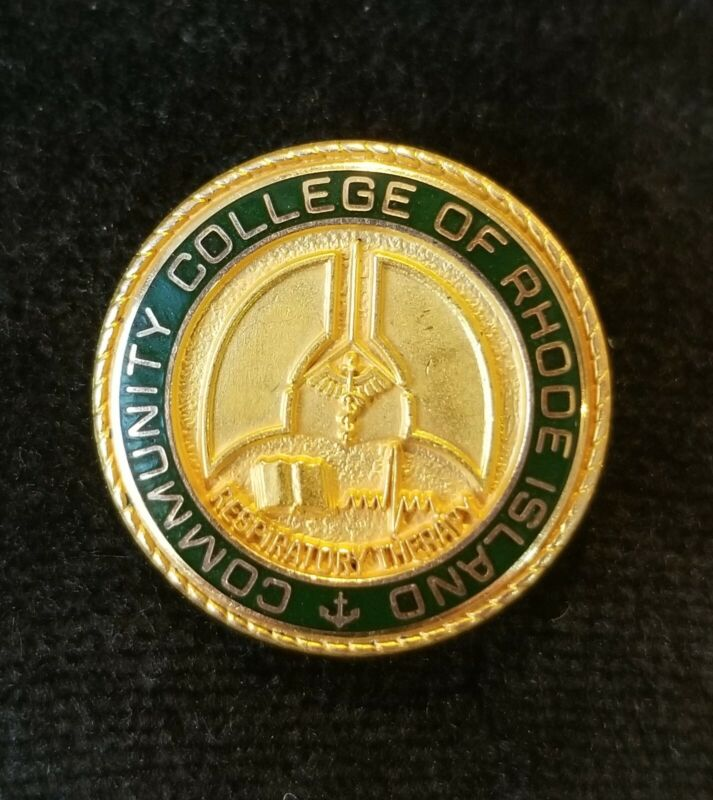 Nursing School Pin RESPIRATORY THERAPY Comm College Rhode Island 10K Gold Filled