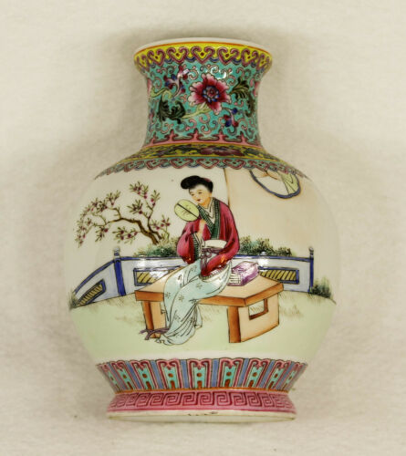 Antique Republic Period Chinese Hand Painted Porcelain Vase Signed