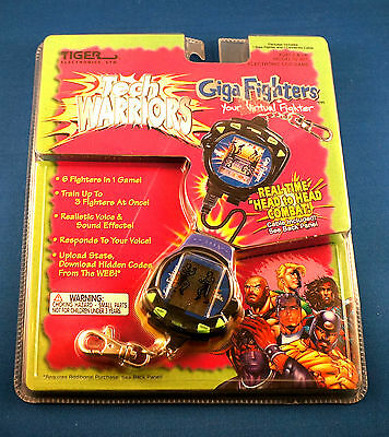 Tiger Electronic Giga Pet Handheld Tech Warriors Fighter Virtual Toy Kids 1990s