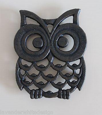 Cute Cast Iron Owl Trivet / Pan Stand Practical And stylish In Metal