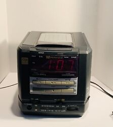 White Westinghouse CD Player Clock Radio Dual Alarm Model WCR-1455