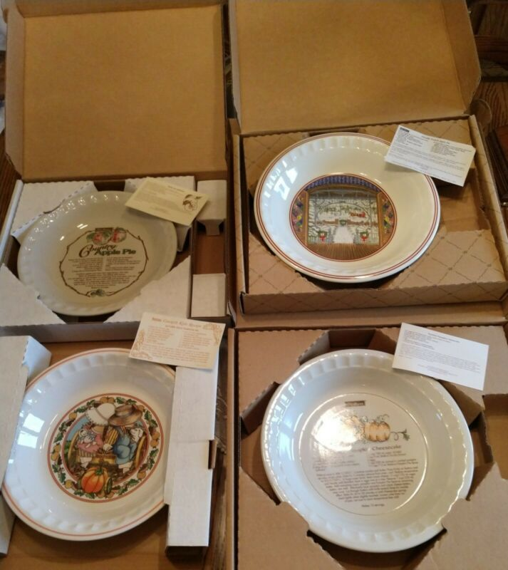 Lot of 4 Vintage Watkins Pie Plates in Original Box With Recipe Cards