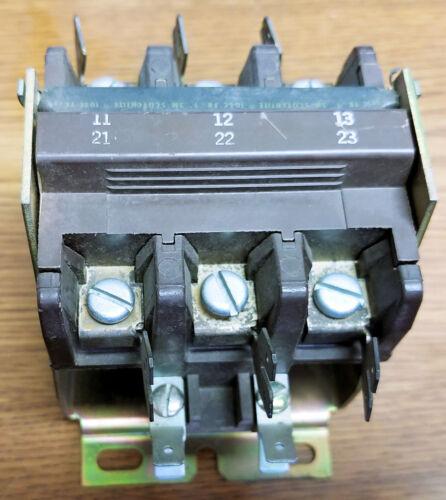 Sylvania A77-288508A-19 40Amp 600V Contactor (120V Coil)