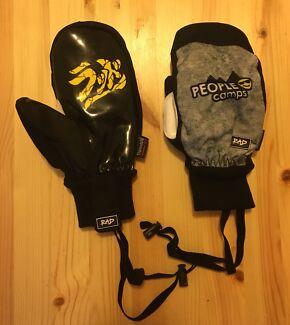 Rad brand snowboard/ski gloves