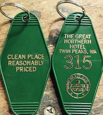 """ON SALE! Gold printed TWIN PEAKS Inspired """"Great Nothern Hotel"""" keychain"""