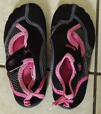 Body Glove Girl's black/gray/pink Water Shoes,toddler Size 12 - LOOSE STITCHING