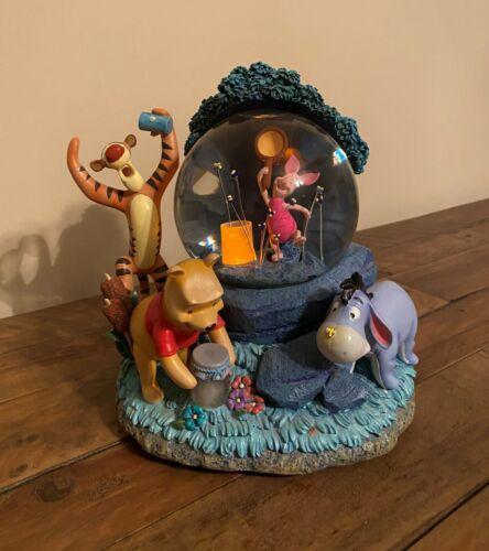 "*RARE* 1963 Wonderland Music Co Winnie the Pooh Musical & Lighted Snow Globe 9"""
