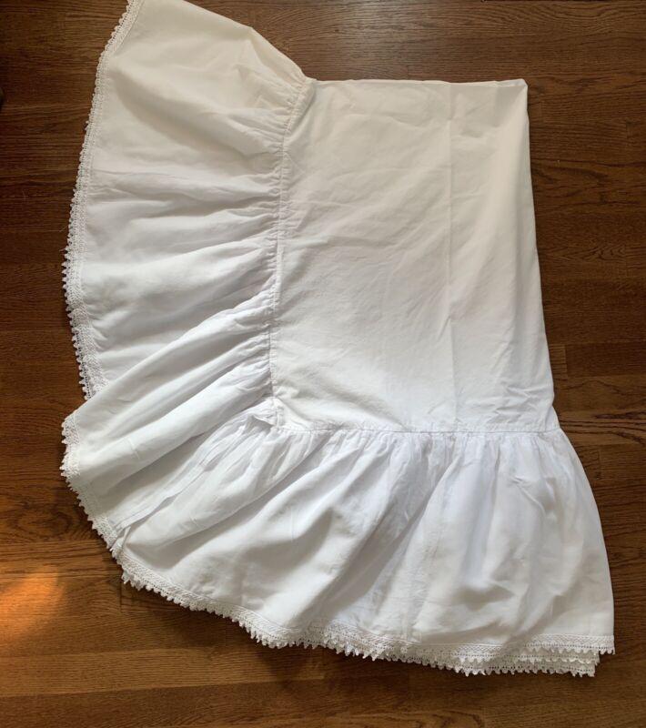 "POTTERY BARN TEEN BOHEMIAN White Lace Trim Full Size Bed Skirt 14"" Beautiful!"