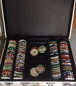 Poker chips in metal case