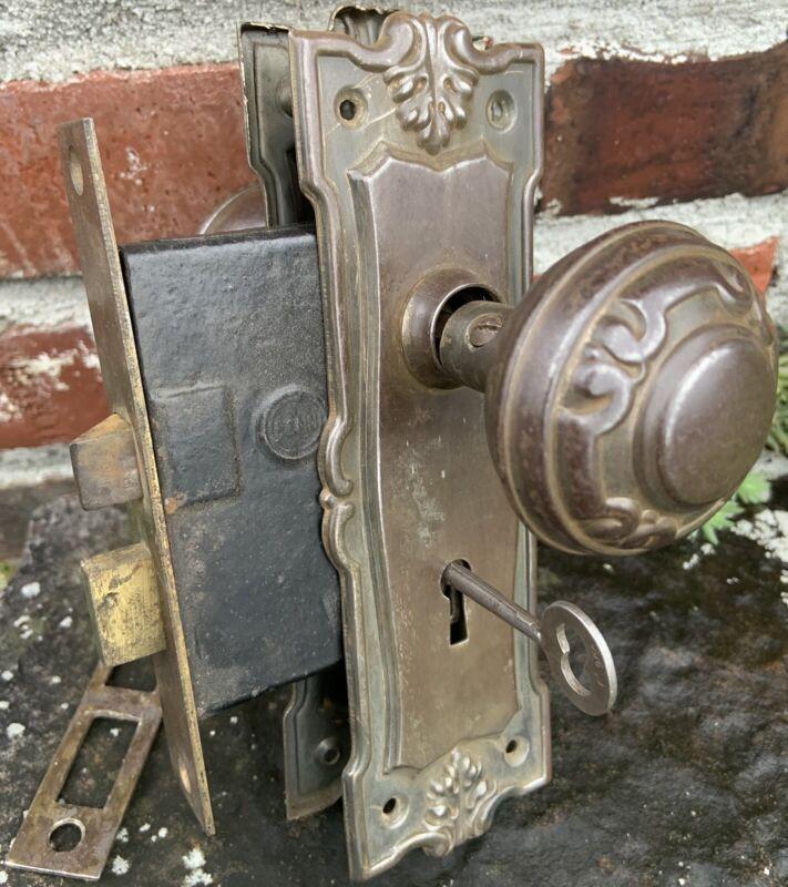 Fancy Antique Victorian Door Knob Back Plate & lock Set W Working Skeleton Key