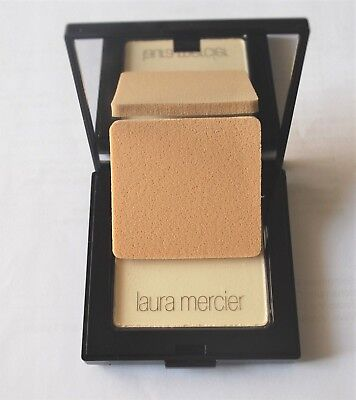 Laura Mercier Pressed Setting Powder  Translucent With Puff New in Box $36