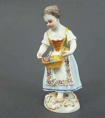 Meissen Figur, Gärtnerkind mit Blumenkorb, Modell-Nr. 5, 1.Wahl