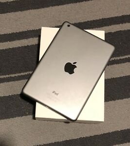 Ipad mini with box