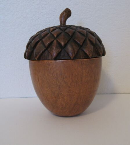 VINTAGE ANTIQUE CARVED WOOD LARGE COVERED ACORN BOWL LOOKS REAL