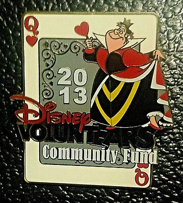DLR QUEEN OF HEARTS DISNEY -ALICE VOLUNTEARS 2013 COMMUNITY FUND CAST MEMBER PIN