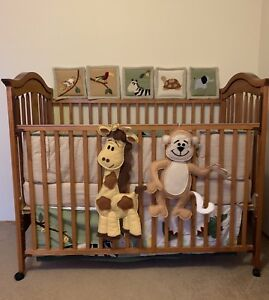 Crib with crib set