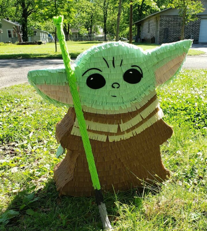 Pinata - Baby Yoda / The Child / Grogu with Stick for Birthday PARTIE/DECORATION