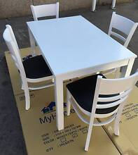 BEAUITIFUL BARGAIN BRAND NEW IN BOX,,SOLID 5 PC DINING SET Chipping Norton Liverpool Area Preview