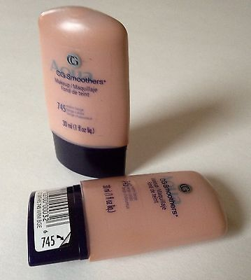 2 X CoverGirl CG Smoothers All Day Hydrating Make-up/Foundation#745-Warm Beige