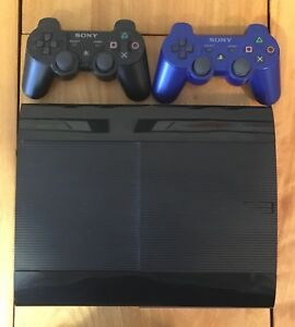 PS3 Super Slim, 500 gb HD with games and 2 controllers