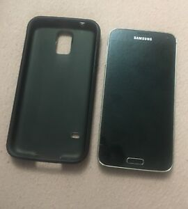 **GALAXY S5 UNLOCKED IN GREAT CONDITION!!***