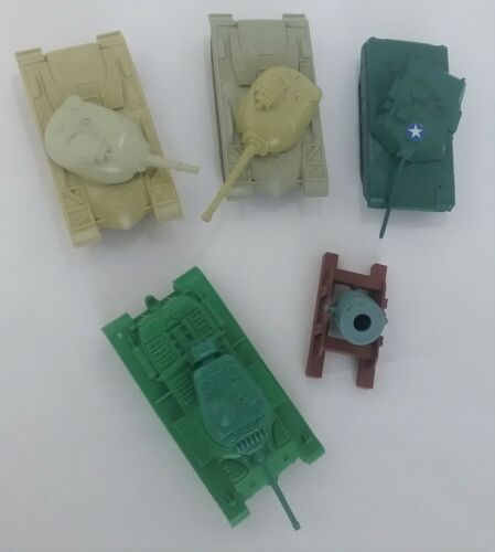 Vintage LOT of 5 Toy TANKS Accessories for Plastic Army Men