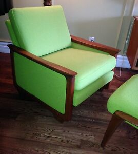 Mid Century R. Huber lounge arm upholstered chair & ottoman London Ontario image 8