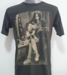 ROCK  MUSIC  T- SHIRT BLACK  SIZE S / M / L