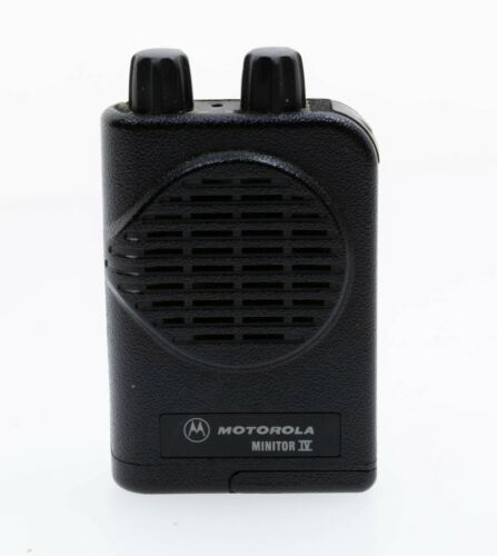 MOTOROLA Minitor IV/4 Low Band 33-49 MHz Two-Channel Vibrating Fire/EMS Pager
