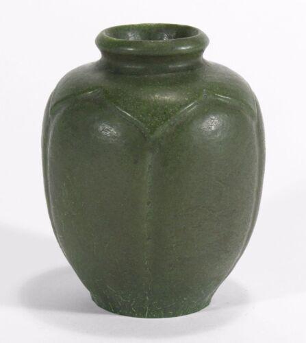 Grueby Pottery matte green leaf carved lobed form vase Arts & Crafts Boston