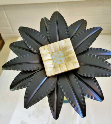 MacKenzie Childs METAL FLOWER STAKE for Garden or Planter PARCHMENT KNOB CENTER1