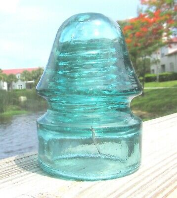 NICE LIGHT AQUA CD 134 NO EMBOSSING PENNYCUICK STYLE GLASS INSULATOR (2)