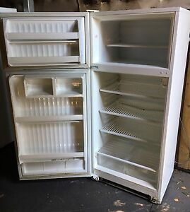 Fridge/Freezer for sale! Strathmore Moonee Valley Preview