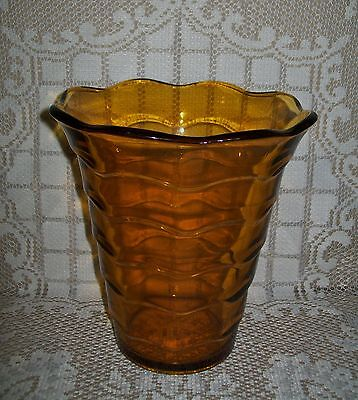 LARGE VINTAGE AMBER GLASS VASE 17cm (design regd Great Britain/Australia)