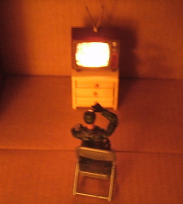1/18 Scale Old Style Television On Nightstand With Chair - TV Diorama Accessory