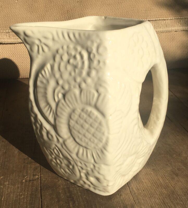 VTG 1940s NILOAK Arkansas Art Pottery White Floral Flowers Embossed PITCHER