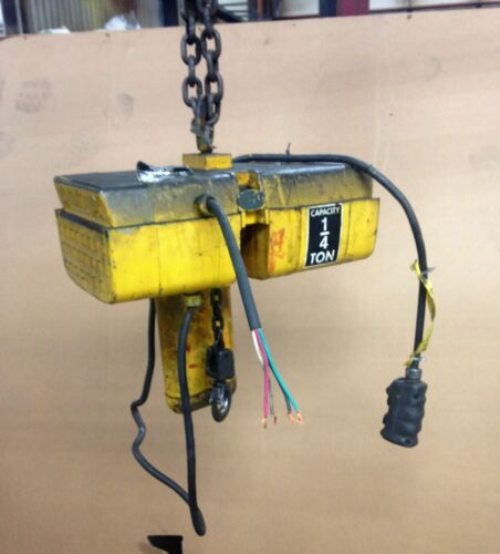 #9945:  Wright Way Electric Chain Hoist