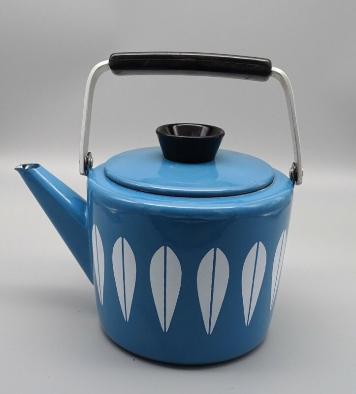 Catherineholm Blue Enamel White Lotus leaf teacoffee potkettle