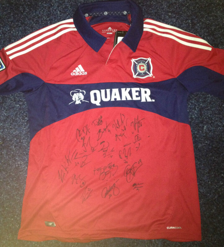 2013 Chicago Fire 18x Team Signed Autographed 2013 MLS Soccer Replica Jersey COA