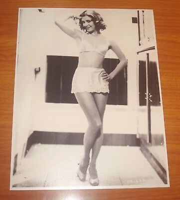 VINTAGE STAR WARS SEXY PRINCESS LEIA CARRIE FISHER REPRINT PHOTO 8.5 X 11