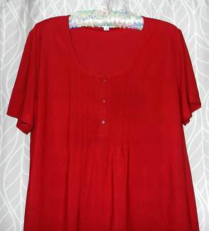 ENFIS RED TUNIC TOP WITH SHORT SLEEVE. SIZE XXL.