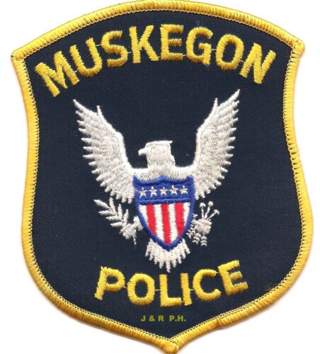 """Muskegon, Michigan (4"""" x 4.75"""" size) shoulder police patch (fire)"""