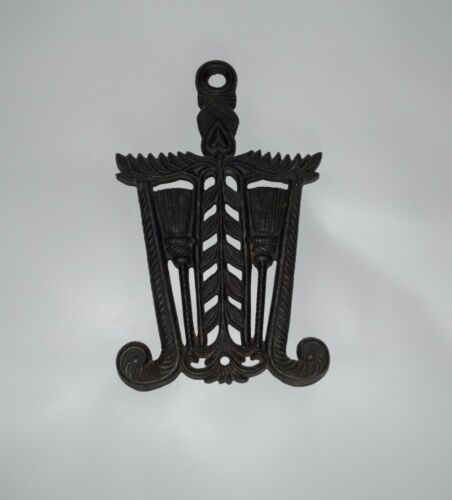 Vintage GRAIN TASSEL Cast Iron Footed Trivet Sad Iron Stand